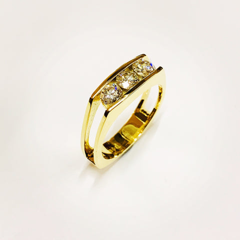 Three Stone Brilliant Cut Diamond Ring 18ct Yellow Gold VS1 Clarity G Colour 0.33cts - David Smith Jewellery