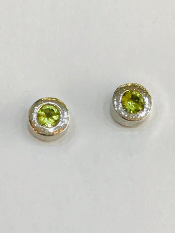 Sterling Silver Round Reticulated Finish Stud Earrings Set with 4mm Brilliant Cut Peridot Contemporary Design - David Smith Jewellery