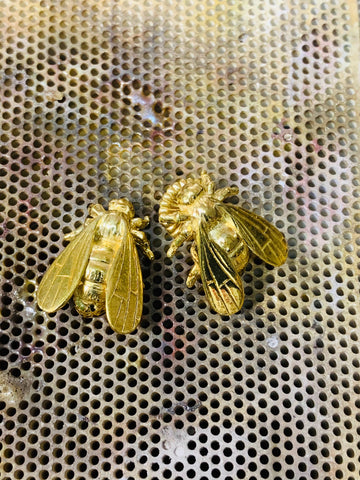 Large Bee Stud Earrings Yellow Gold Sterling Silver 19.3mm x 14.9mm - David Smith Jewellery