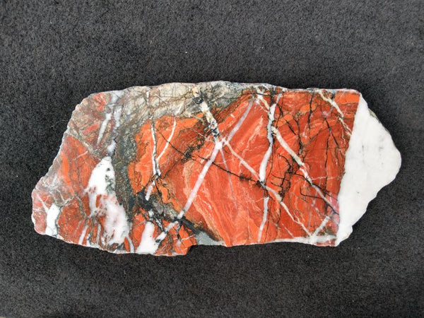 quartz veining in jasper