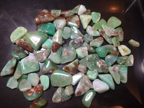 Tumble polished chrysoprase