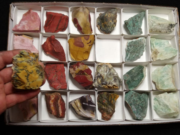 Box of assorted Australian gemstones BOX105