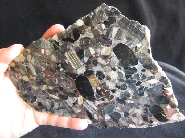 Black Conglomerate B208
