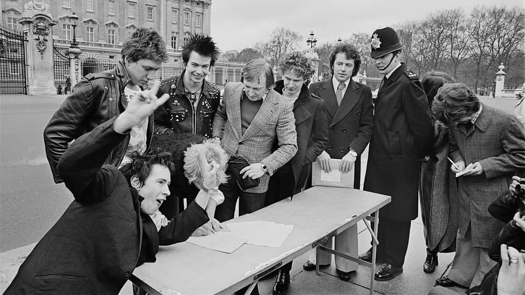 40 Years Ago: SEX PISTOLS Sign to A&M for 6 Days and Don't Release God Save the Queen