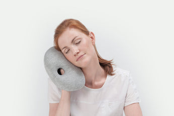 cv_hide_image_ostrichpillow_mini_desk-&-travel-pillow_midnight-grey