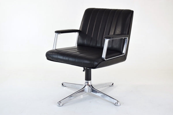 Executive Office Chair by Osvaldo Borsani for Tecno, Italy, 1960's - Spirit Gallery