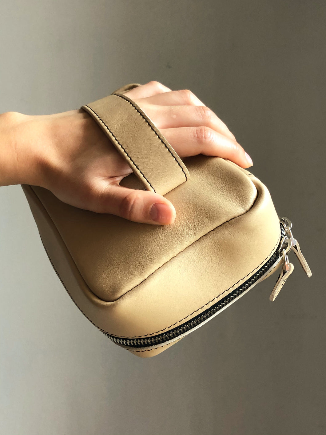 'Slick' Clutch in Beige