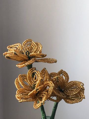 Beaded flowers (bronze gold 3)