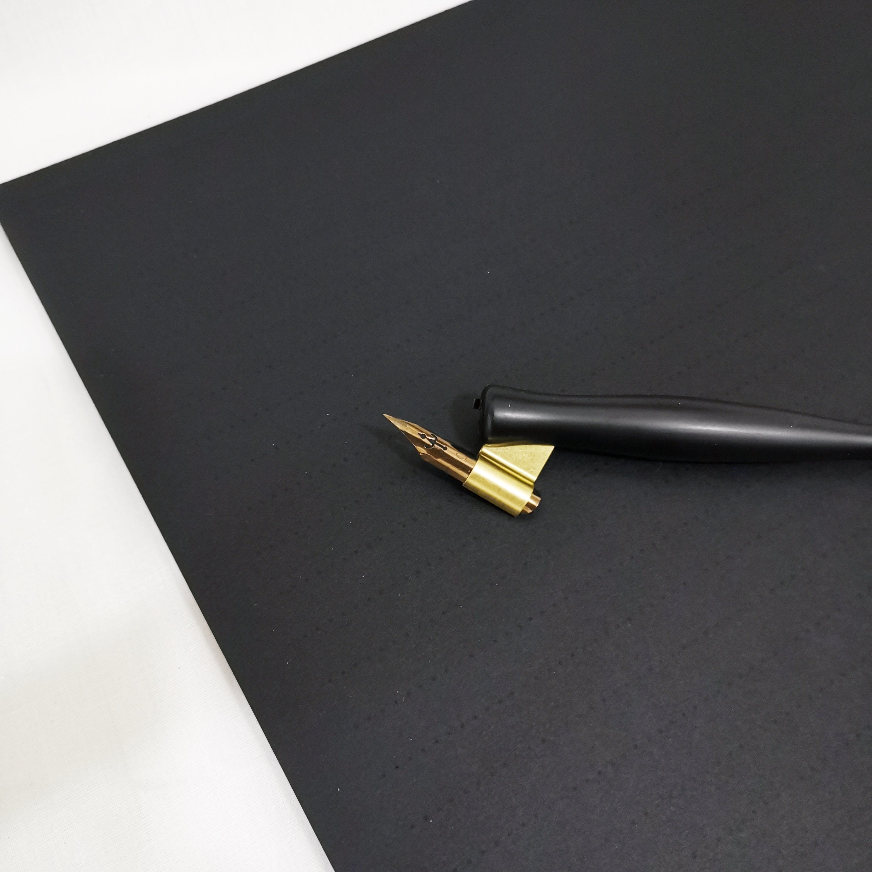 JNB Deluxe Lined Black Paper