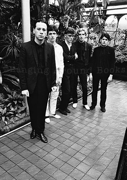 THE SUIT HE WEARS BELONGS TO ME - SIMPLE MINDS 1980