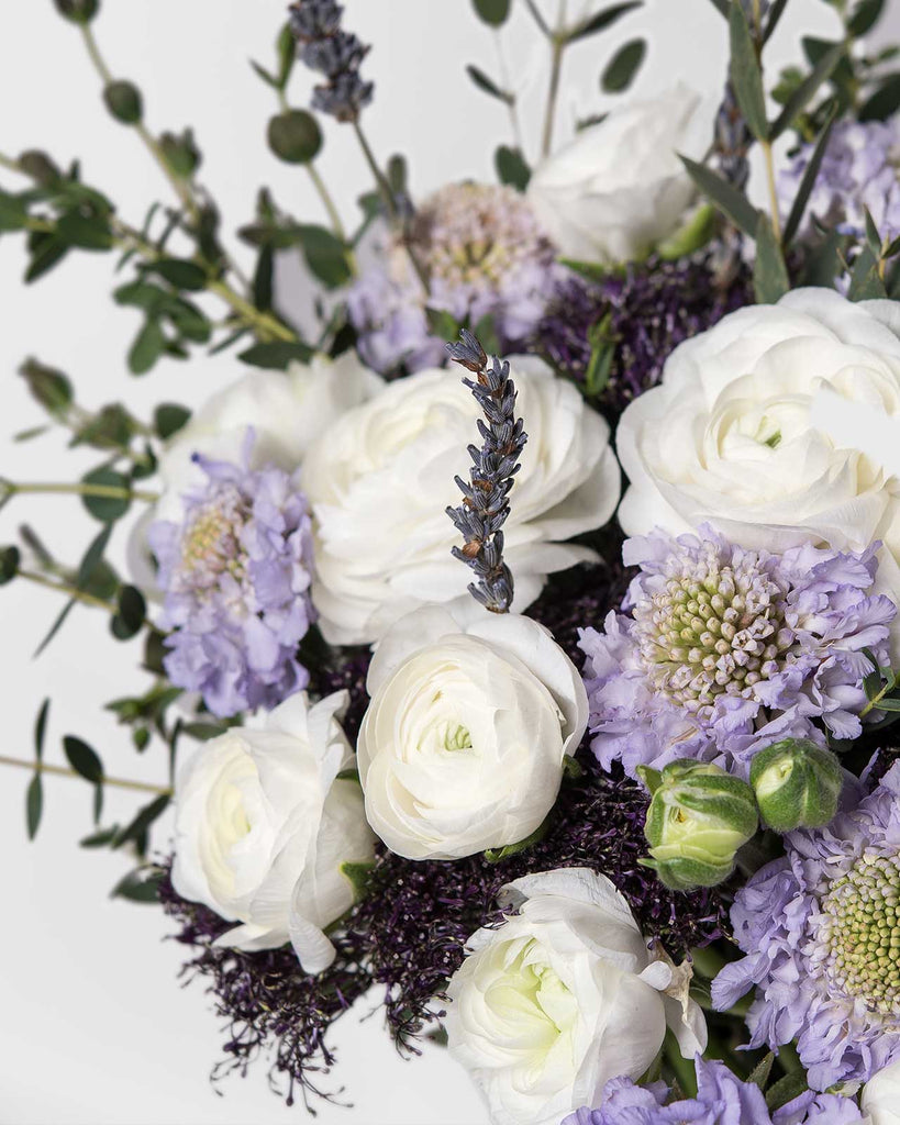 the Selby bouquet by UrbanStems x Vogue