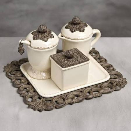 GG Collection Acanthus Creamer/Sweetener Set On Tray