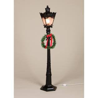 Square Street Lamp Post with Wreath