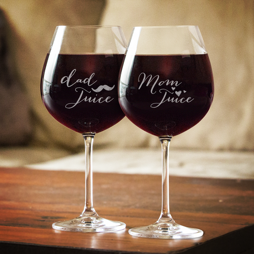 Designs by MyUtopia Shout Out:Mom/Dad Juice Wine Glass Set (Pair) Engraved 20 oz Glass
