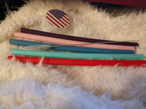 Designs by MyUtopia Shout Out:Special Offer on Extra Wide Milkshake Straws with U.S. Flag Case (10 inch long set of 5 Straws, 1 Case, 1 Cleaning Brush)