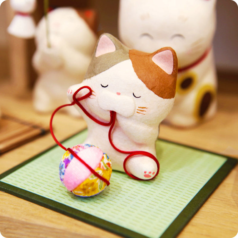 Figurine Chat Farceur - Made in Japan | Moshi Moshi Paris