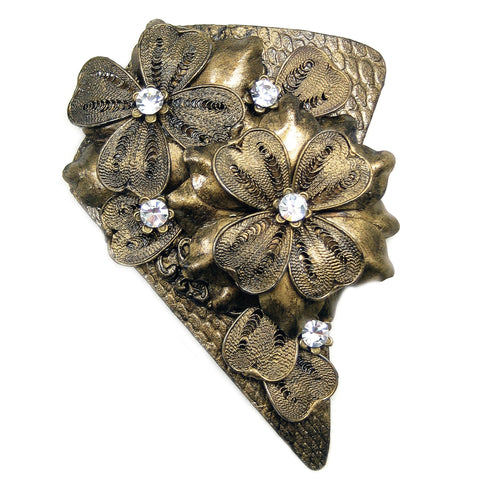 #894p Old Gold Tone Filigree & Rhinestone Floral Vintage Pin