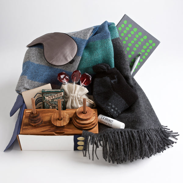 Carton Viceroy - Evoking a sense of the great outdoors, this get well gift for men includes a lightweight but warm alpaca blanket, cushiony non-slip socks, an addictive wooden game, and playing cards embellished with the most majestic antlers ever seen on an ace of spades.