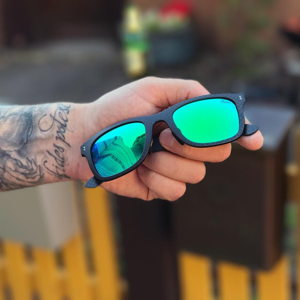 Fibrous V3 - Carbon Fiber Sunglasses - Green lenses