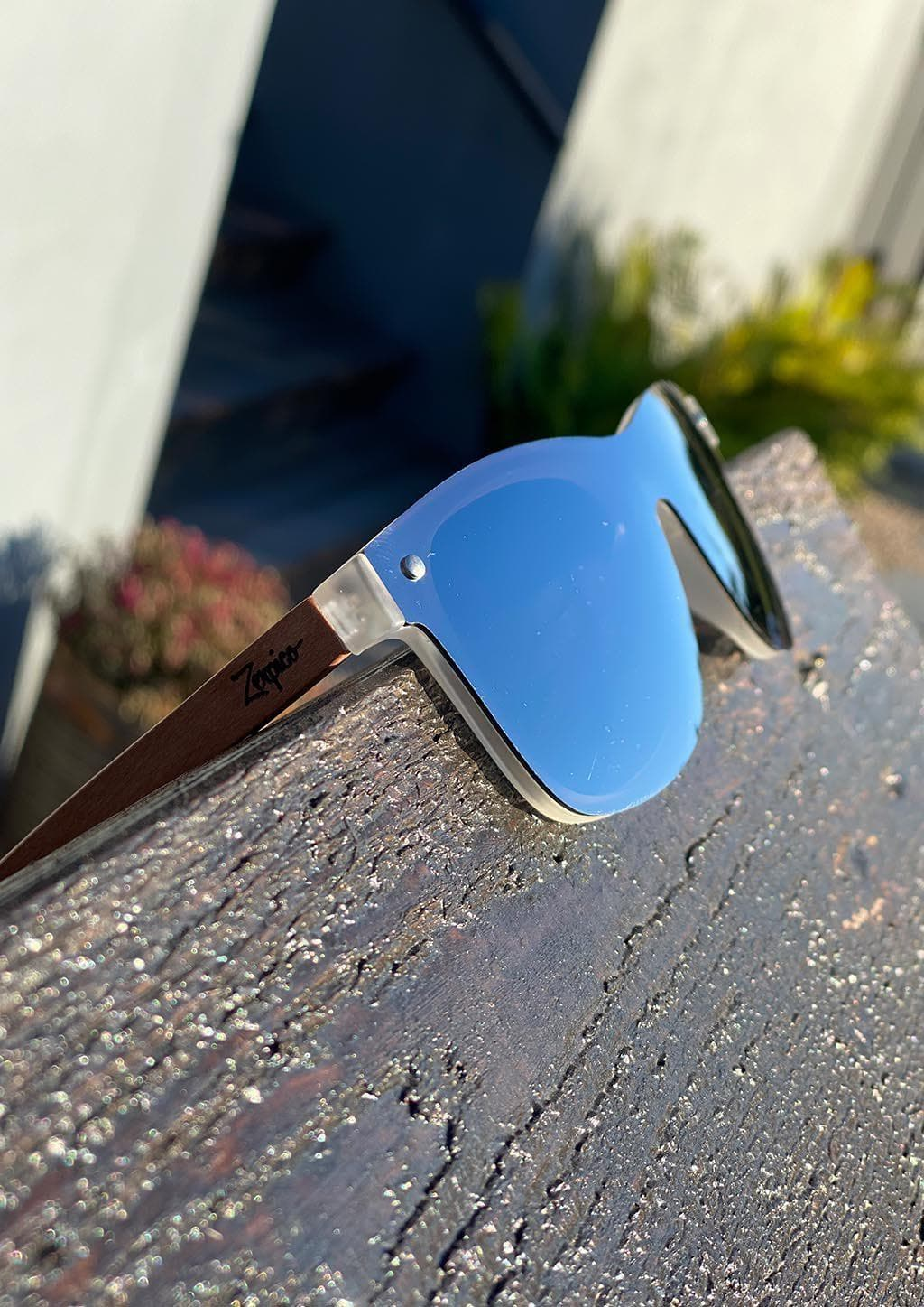 Eyewood tomorrow is our modern cool take on classic models. This is Perseus with silver mirror lenses. Nice wooden sunglasses outside in the sun in Sweden.