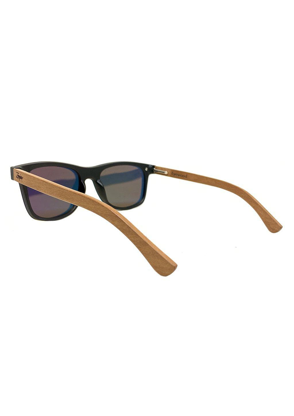 Eyewood tomorrow is our modern cool take on classic models. This is Scorpius with yellow mirror lenses. Nice wooden sunglasses with details from the back.