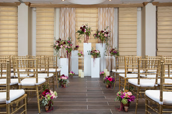Garden decor with aisle treatment