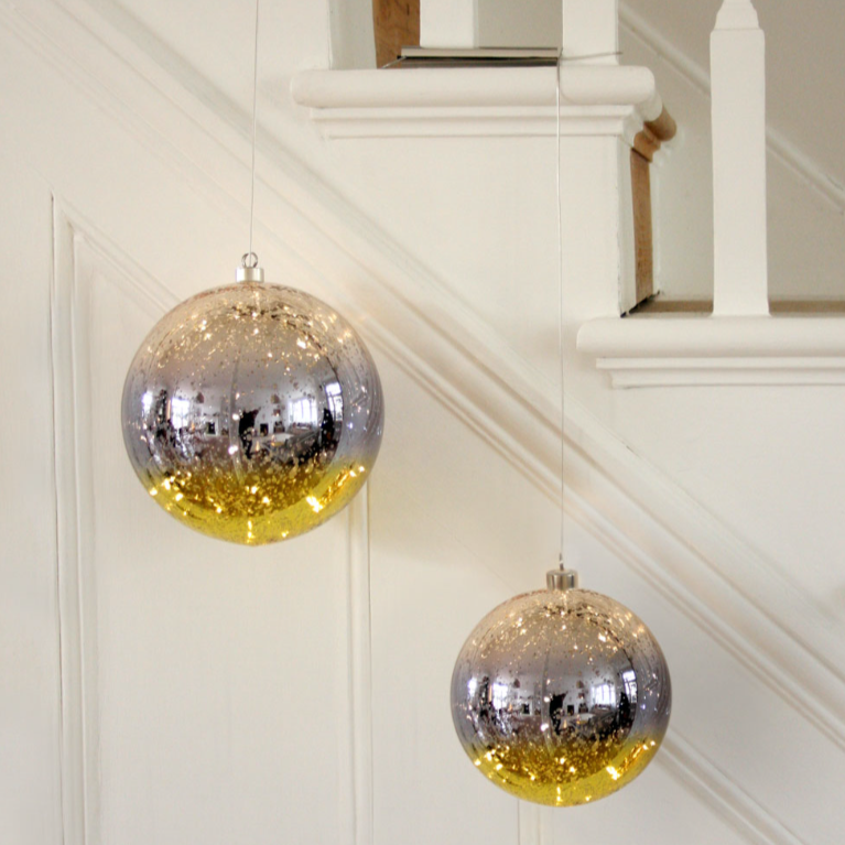 Glowing Gold LED Glass Bauble