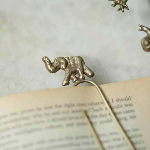 Animal paperclip