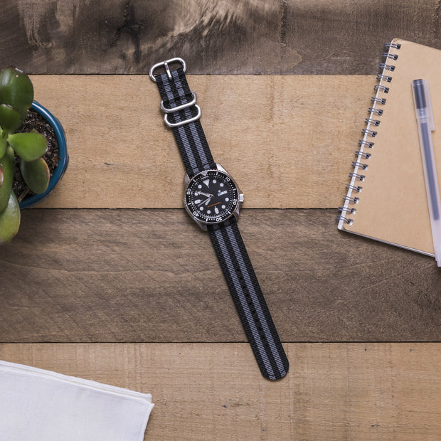 black-gray-ballistic-nylon-2-piece-zulu-watchband-on-watch