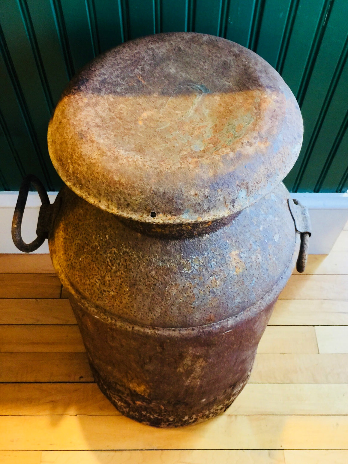Antique weathered.Milk Can with lid- 10 Gallons