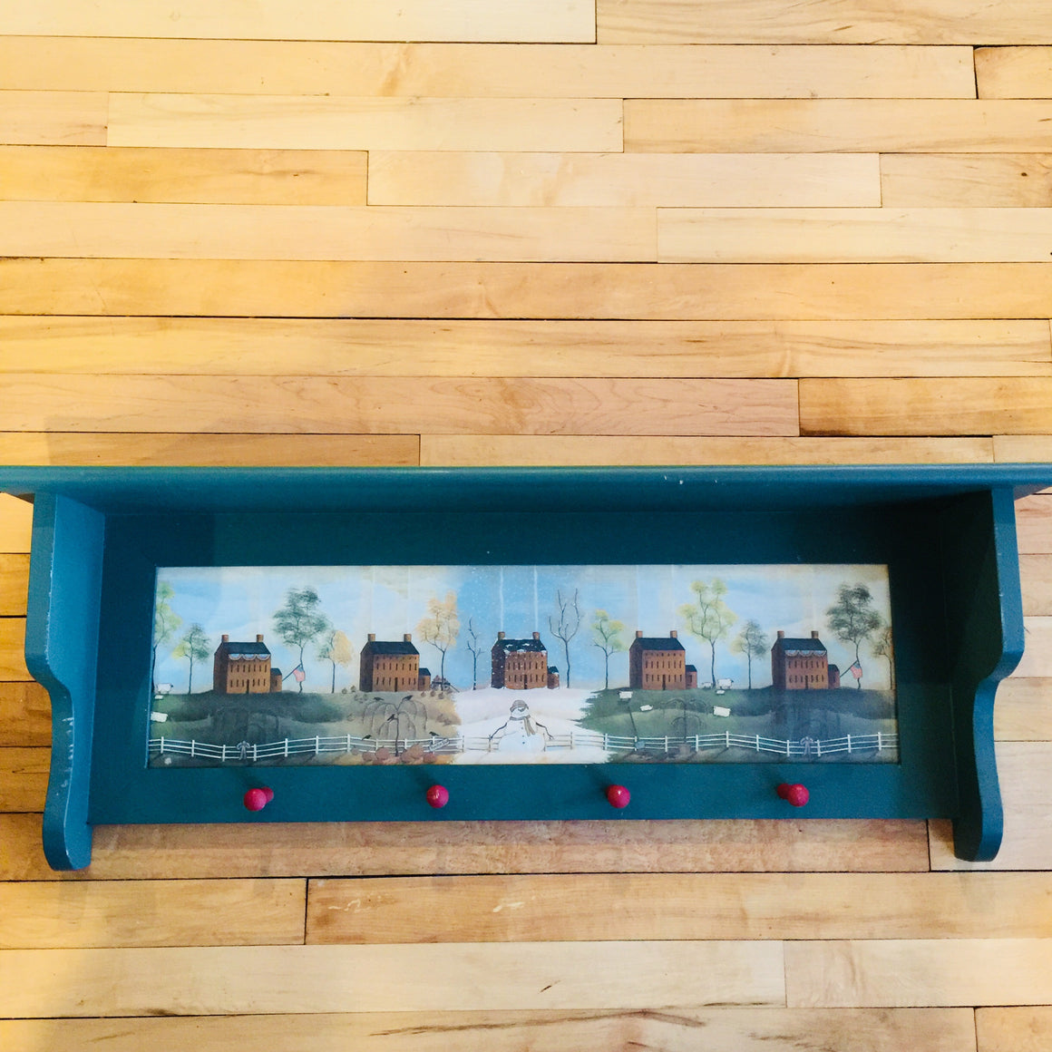Wall Hanging Plate Shelf With Pegs (Green)