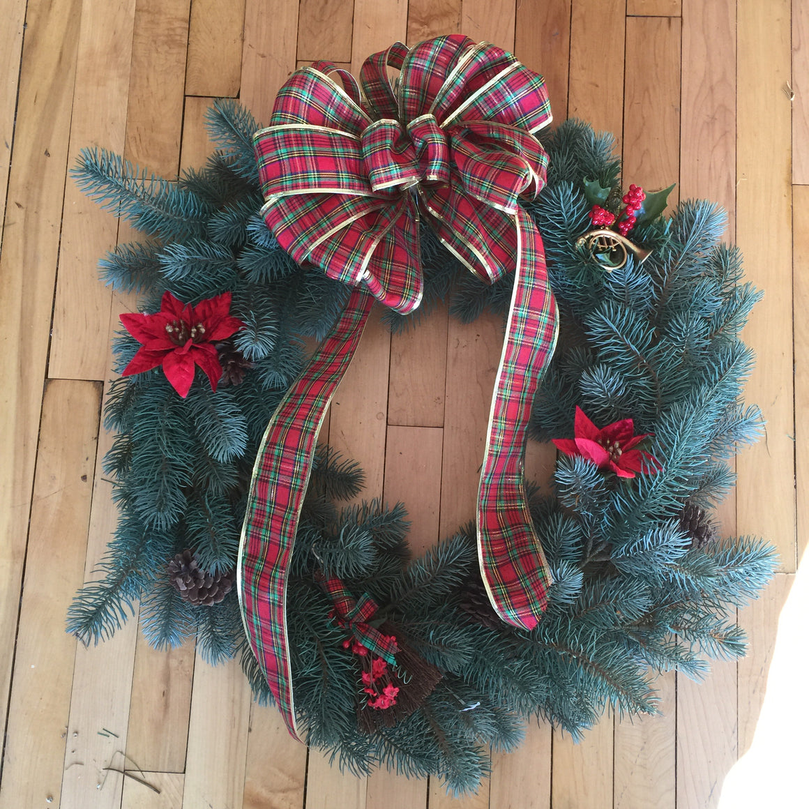 "Christmas Wreath - 24"" with Plaid Bow & Poinsettias"