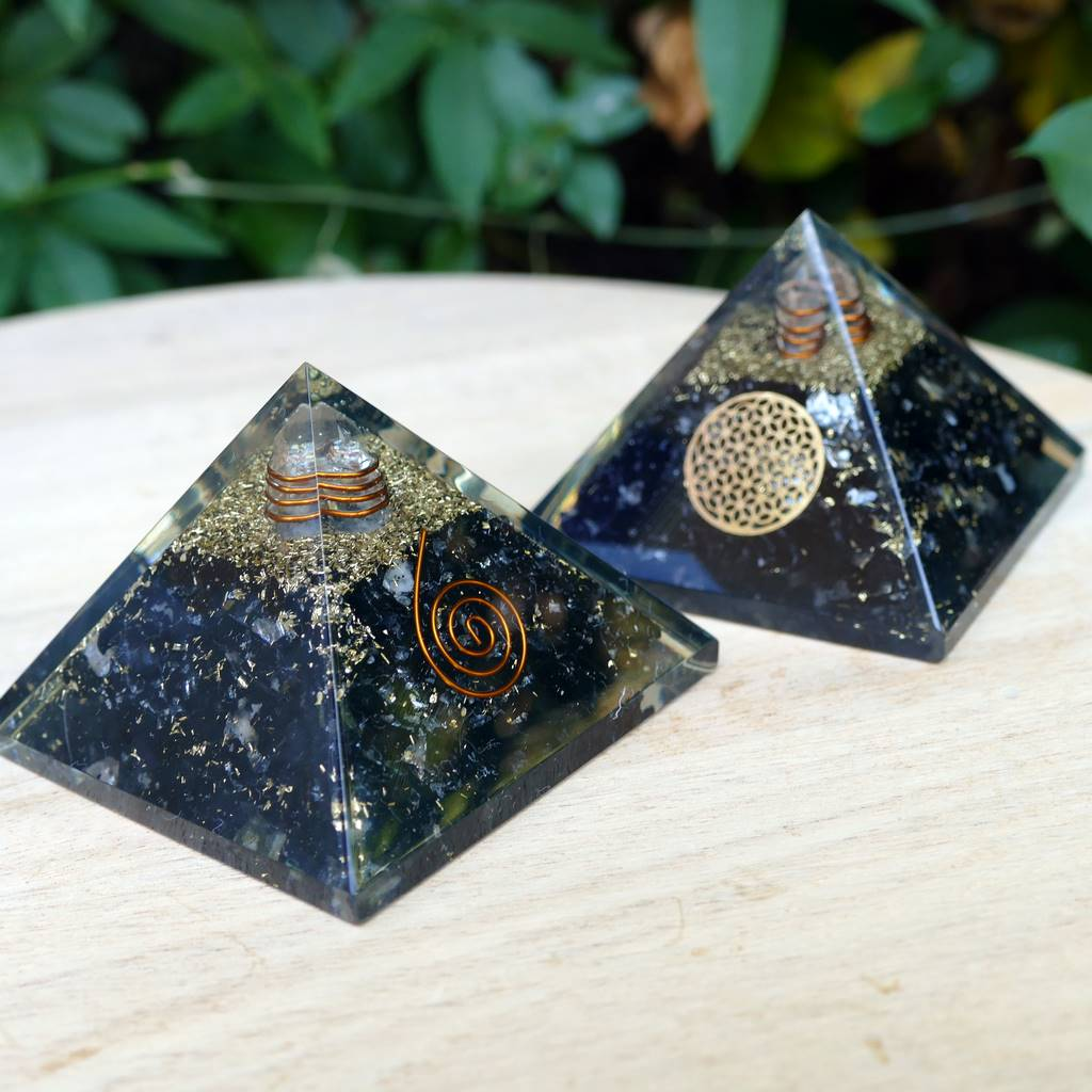 orgone pyramid black tourmaline medium