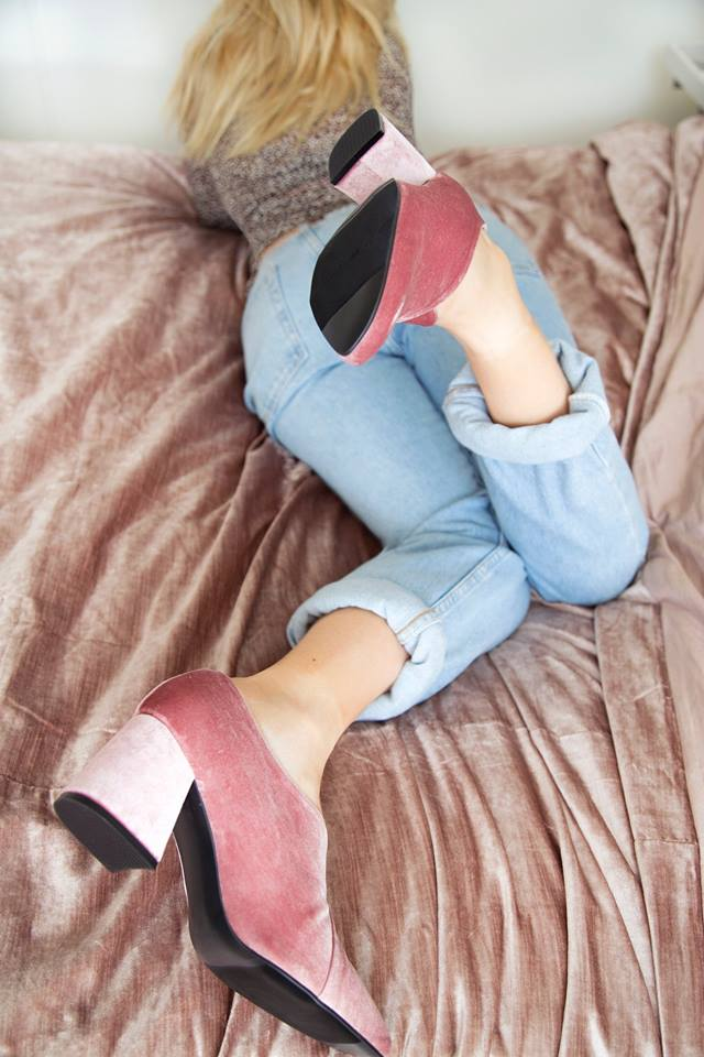 Alexandra Robb wears her EOD by ASHLEY LIM Tara pink velvet pumps