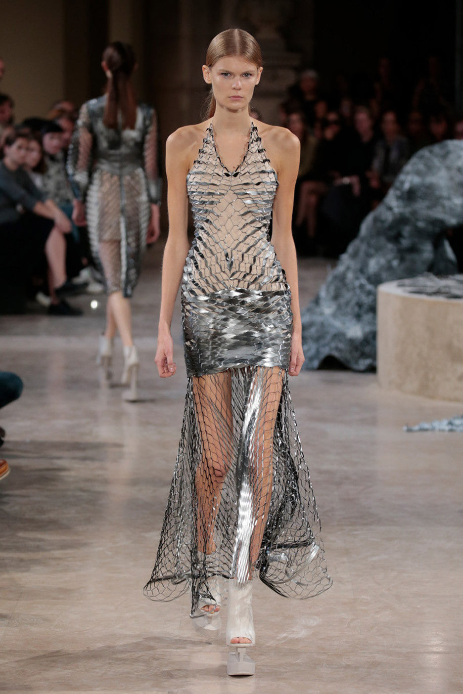 Fashion Blog - Extraordinary Ordinary Day EOD Iris Van Herpen's Spring Summer 2016 Show