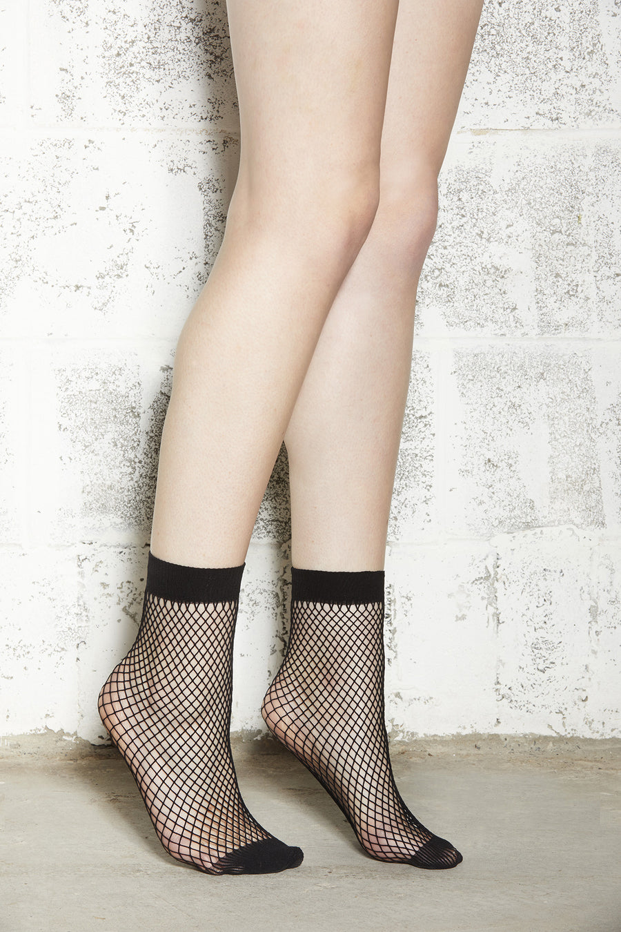 Black Medium Mesh Fishnet Ankle Socks Square