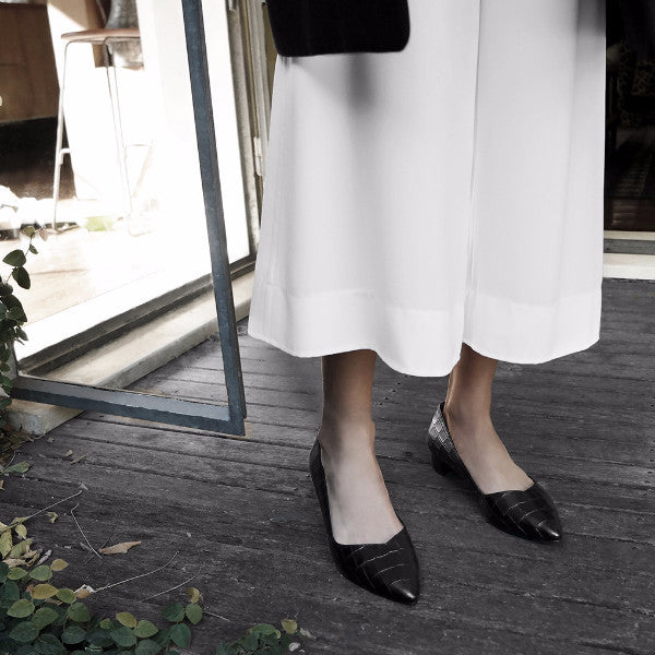 PALMYRA Pointed Toe Flats - Black / Only Size 36 Left - Extraordinary Ordinary Day