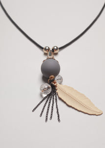 Leaf Cream  Necklace - eclemix
