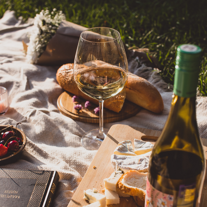 Picnic essentials- What to pack for a perfect summer picnic