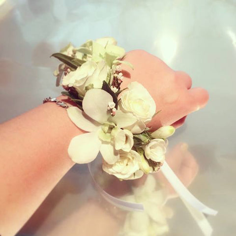 SW0017 - White orchid corsage