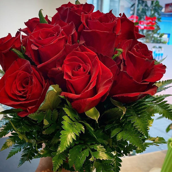 BQ0001 - Classic red roses