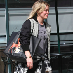 Hilary Duff wear the Abby 'Science Club' Tank