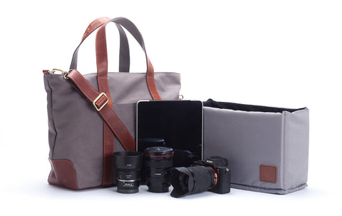 Signature v1.4 Gray : Waxed canvas trimmed with leather camera bag