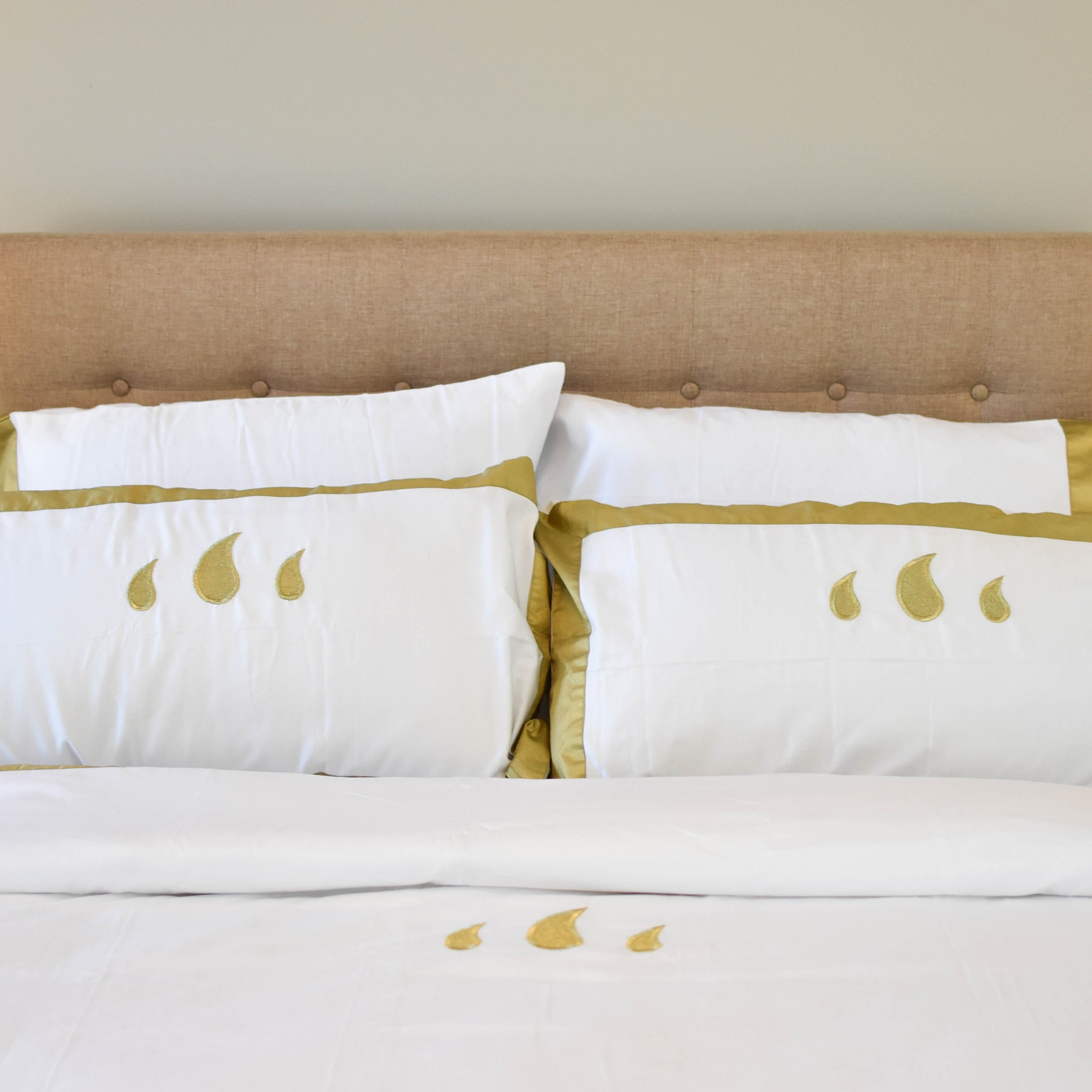 Classic Duvet Set in Gold - caché district