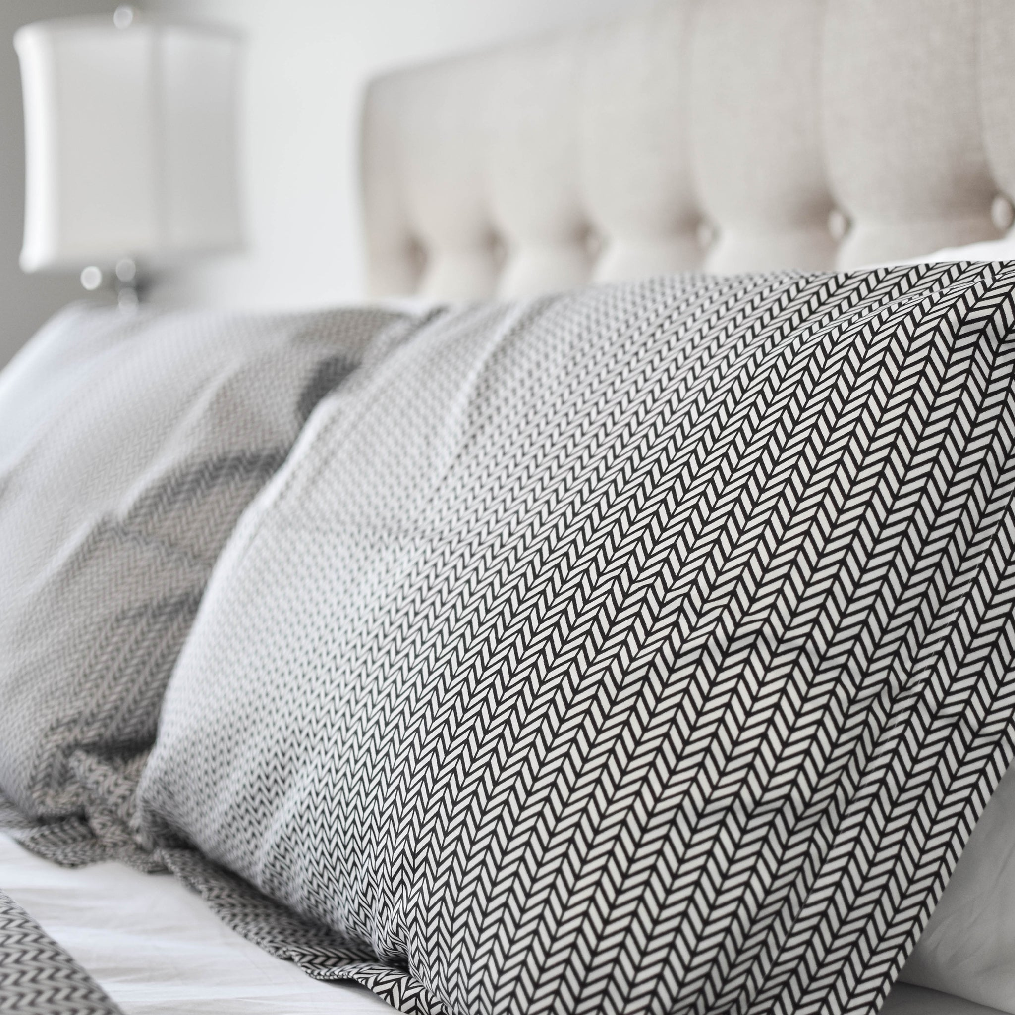 Herringbone Duvet Set in Black - caché district