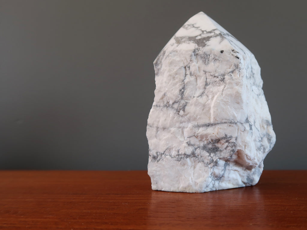 Howlite Article