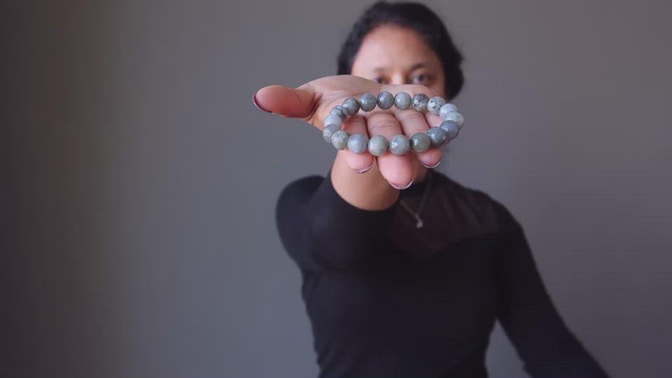 faceted labradorite beaded stretch bracelet video showcase