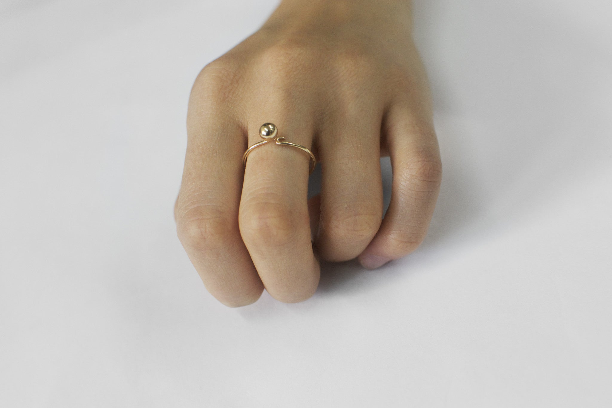 →Hook and Point← Finger Ring