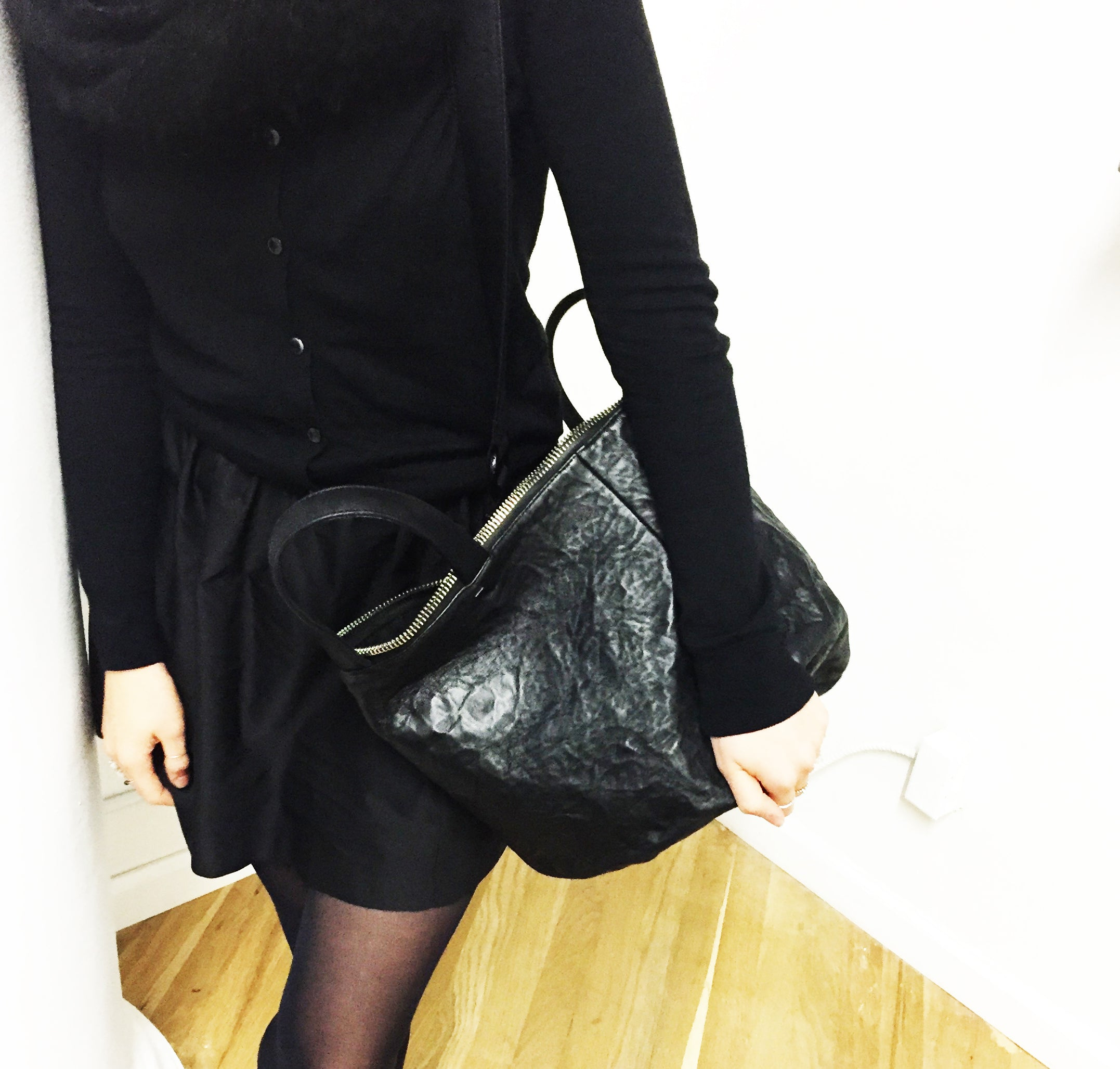 SALE →MINI POP← BLACK CRINKLE LEATHER