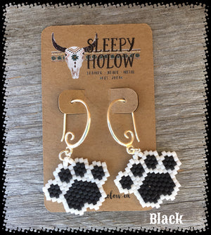 beaded paw print-paw print earrings-beaded paws-dog lover jewelry-paw earring-beaded earrings